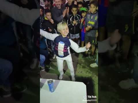افضل طفل يرقص في العالم thumbnail