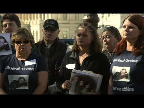 Crash victim families press GM as CEO Barra testifies