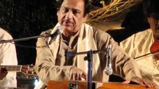 Hum ko kis ke gham ne mara full by Ghulam Ali