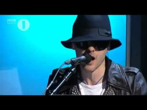 30 seconds to mars covers bad romance live (lady gaga)  #REUPLOAD