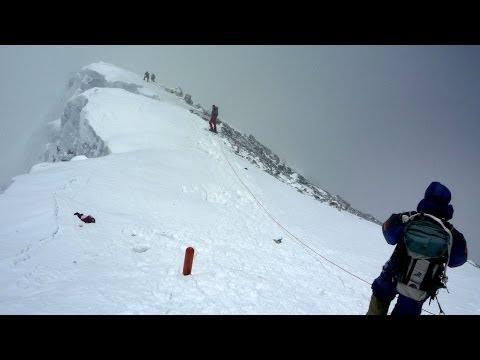 After Everest Avalanche Deaths, Sherpas Threaten to Strike