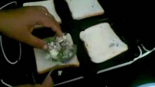 how to make chilli cheese sandwich