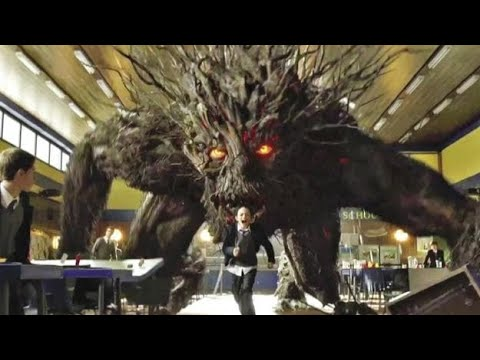 Download A Monsters Calls (2016) Movie Explained In Hindi | Fantasy