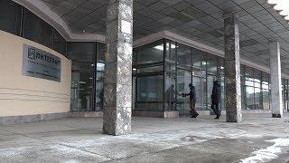 Стена обрушилась в одном из недостроенных зданий на территории завода Интеграл