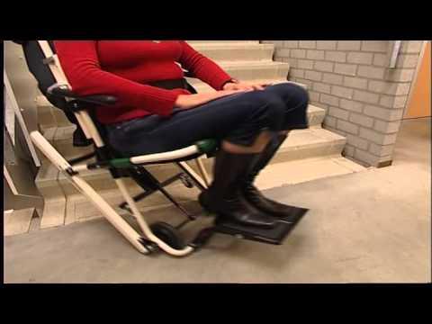 pr sentation de la chaise d 39 vacuation escape chair youtube. Black Bedroom Furniture Sets. Home Design Ideas