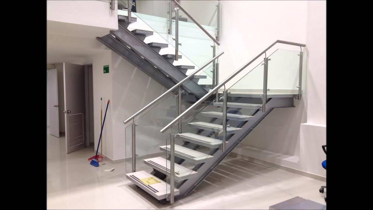 Escalera y mezzanine oficina banco santander gran estacion for Gradas metalicas para casas