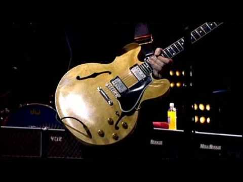 Paul McCartney Live At The Glastonbury, Worthy Farm, UK (Saturday 26th June 2004)