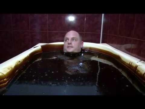 Azerbaijan: Luxury Spa Lets Its Customers Take A Bath In Crude Oil