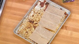 How to Easily Clean a Grimy Baking Sheet