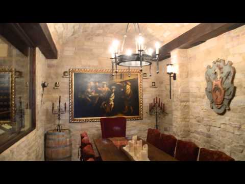 florida-residential-wine-cellar-made-with-reclaimed-wine-barrels