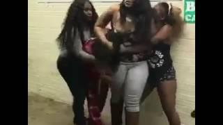 Black girls fight 🤦🏾♀️
