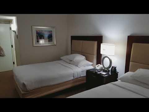 Palm Beach Airport Hilton Room Review
