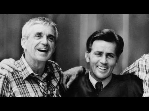 """It was the Happiest Day of My Life"": Martin Sheen Recalls His Arrest Alongside Father Dan Berrigan"