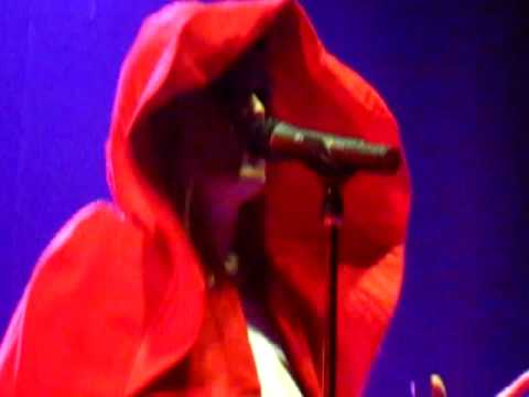 """Roisin Murphy rocks """"Ruby Blue"""" live at The Mansion"""