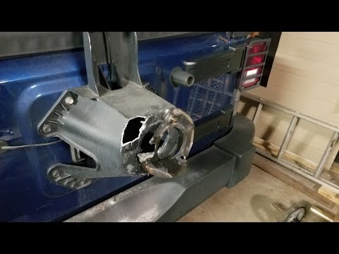My Jeep Wrangler Spare Tire Carrier Broke! | (Stock Tire Size on Carrier)