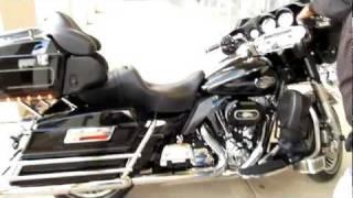 "2009 Harley-Davidson Ultra Classic 103"" motor Sounds amazing hear it run!"