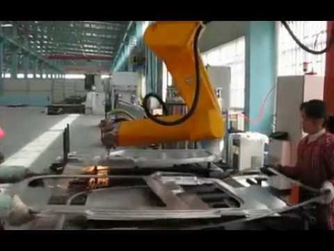 3D Industrial Robot metal sheet fiber Laser Cutting Machine with 5 Axis