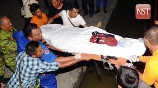 16 dead, 35 missing in boat capsize