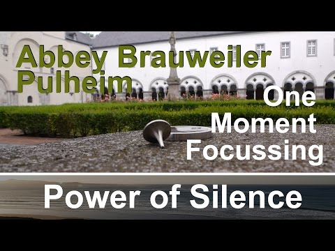 #18 One Moment Focussing - Abbey Brauweiler Pulheim - Spinning Top