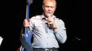 Video Southern Nights - Glen Campbell - Glasgow 2010 download MP3, 3GP, MP4, WEBM, AVI, FLV Agustus 2018