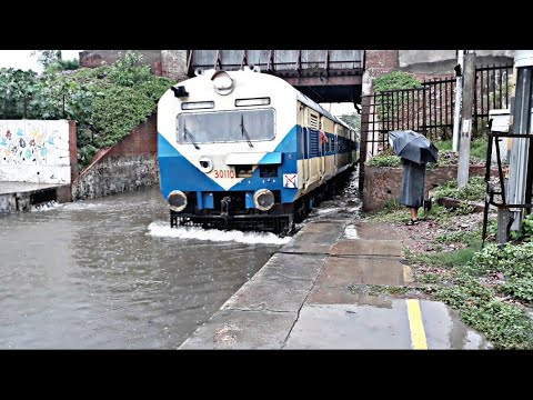 Trains running on water | Indian Railways | Flooded Railway Station