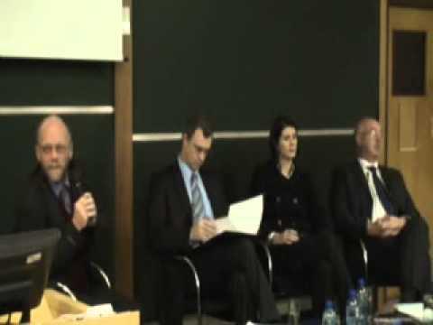 LeadersAngle   Economists discuss global economy