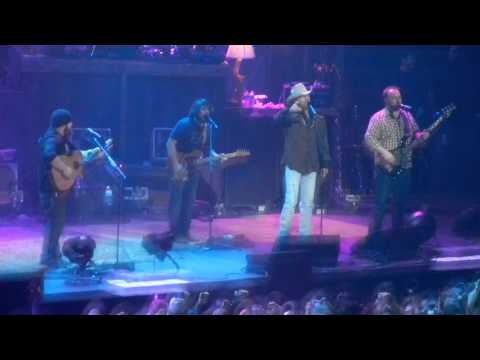 Zac Brown Band & Alan Jackson- As She's Walking Away (Live) Nashville, TN 12-29-10