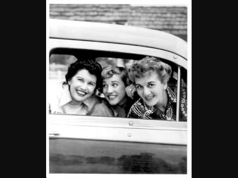 The Andrews Sisters - I Don't Know Why (I Just Do) (1946)