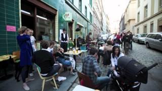 Terezie Palková: Sousedská písnička pro Zažít město jinak 2012