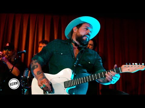 """Nathaniel Rateliff And The Night Sweats Performing """"I'll Be Damned"""" Live On KCRW"""