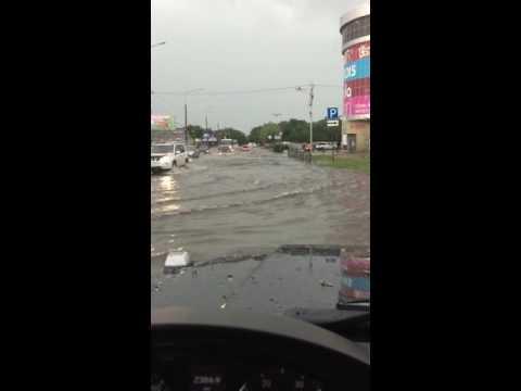 Наводнение в г Невинномысске 29.05.2016 центральная улица Гагарина