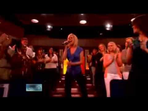 Kellie Pickler - The Best Days Of Your Life Live