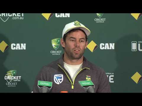 Du Plessis booing 'bad manners': McKenzie