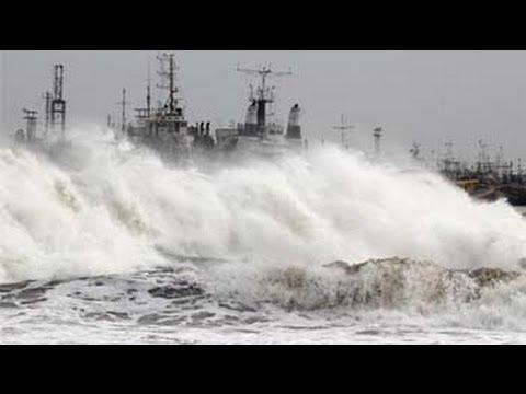 Cyclone Phailin 40 km away from Gopalpur in Odisha