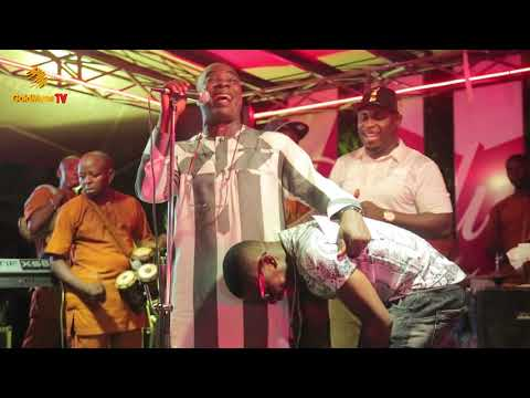 K1 DE ULTIMATE PRAYS FOR SMALL DOCTOR WHILE PERFORMING AT SIDEWALK LOUNGE, VI