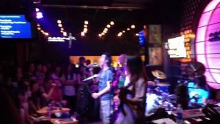 Lá Đỏ-Chu Minh Ký Acoustic Bar