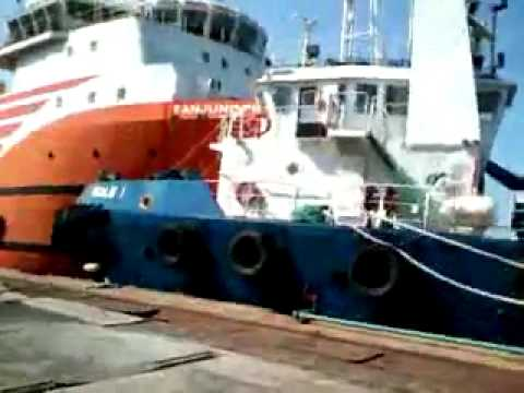 Vessel crashed by stupid worker - Labuan Shipyard
