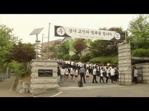 South Korea ferry disaster survivors return to school