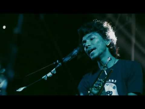 Payung Teduh - Menuju Senja (LIVE PERFORMANCE)