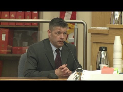 Officer in fatal shooting takes witness stand