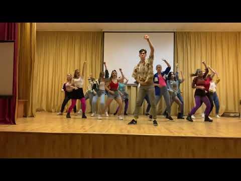 11В❤️ Танец на Новый год в школе. флешмоб школьников 2020. Лицей 6