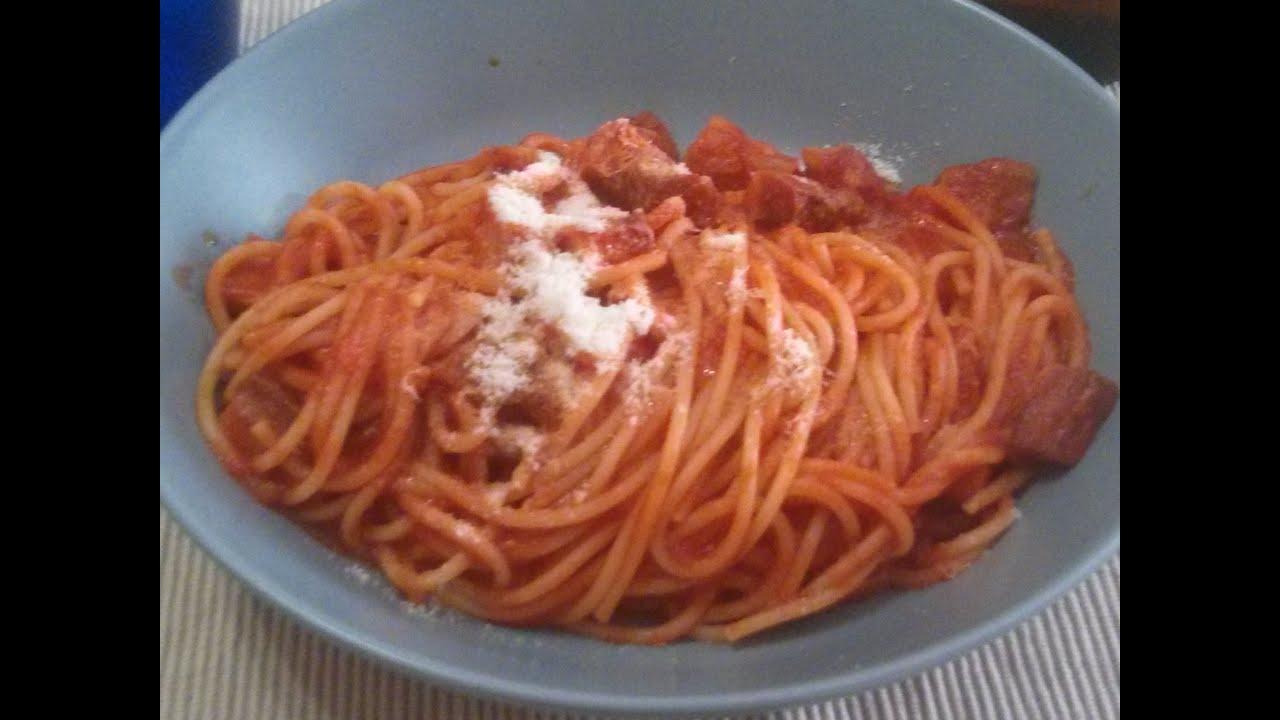 Pasta all'amatriciana ricetta semplice