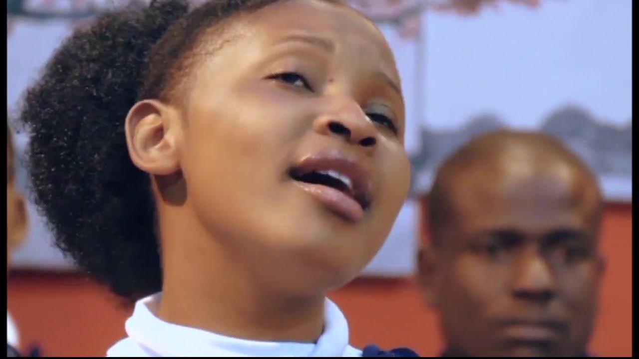 Download SDA Sakina Youth - Mwili Huu - Cheki Soloists Walivyoimba kwa ustadi mkubwa..Barikiwa na Enjoy!