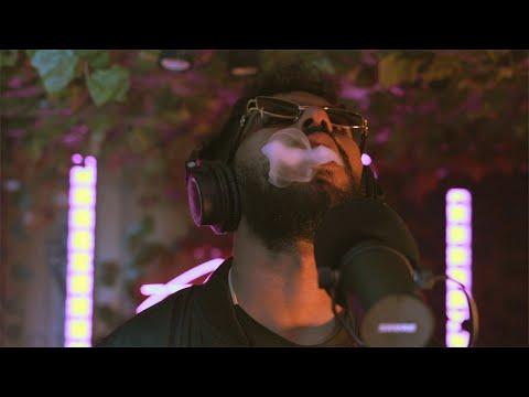 Youtube: ElGrandeToto |«Mghayer» x AYKONZ ( Live Performance) | #AlohaLive
