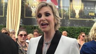 Jane Lynch on the Emmy red carpet chats about her win for 'Hollywood Game Night'