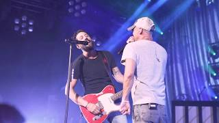 Kenny Chesney Surprises Old Dominion Onstage at the Ryman Video