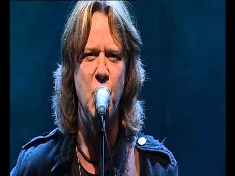 Hellbillies - Sur Som Rognebær (Live)