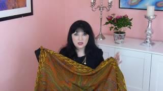 Шелковые платки-произведения искусства. Обзор моей коллекции шелковых платков и шарфиков.