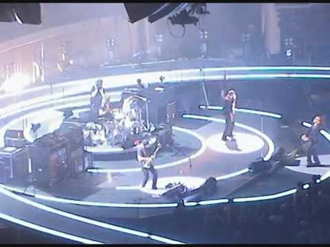 U2 - Elevation (Live From San Diego, Vertigo Tour)