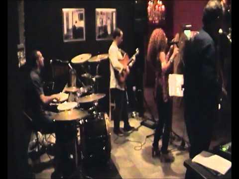 Club 37 - Concierto